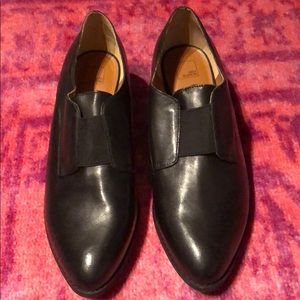 14th & Union Black Loafer
